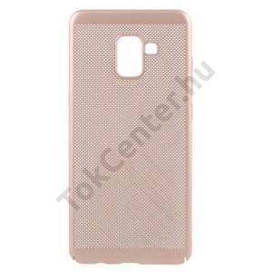 SAMSUNG Galaxy A8 (2018) SM-A530F Műanyag telefonvédő (gumírozott, lyukacsos minta) ARANY