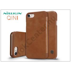 Apple iPhone 7 /APPLE IPhone 8 4,7`` oldalra nyíló flipes tok - Nillkin Qin - barna