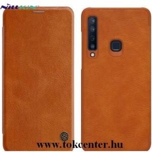 SAMSUNG Galaxy A9 (2018) SM-A920 NILLKIN QIN tok álló, bőr (aktív flip, oldalra nyíló, bankkártya tartó) BARNA
